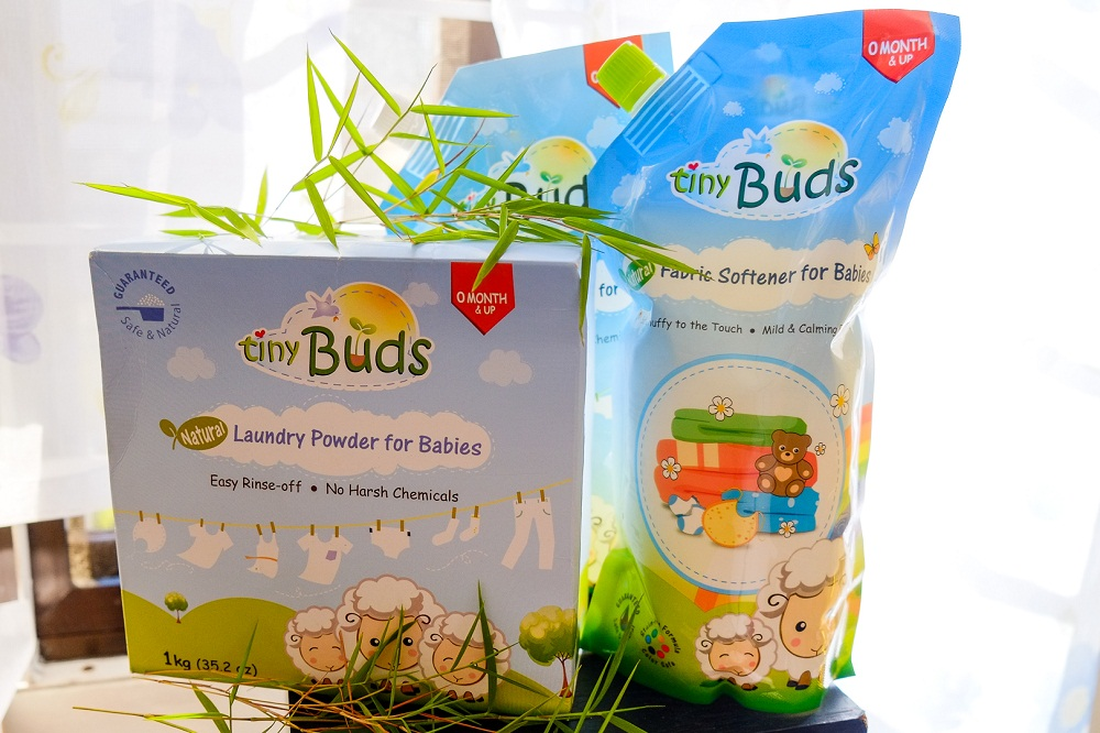 Wash Baby S Clothes With Tiny Buds Gentle Laundry Wash Mommy