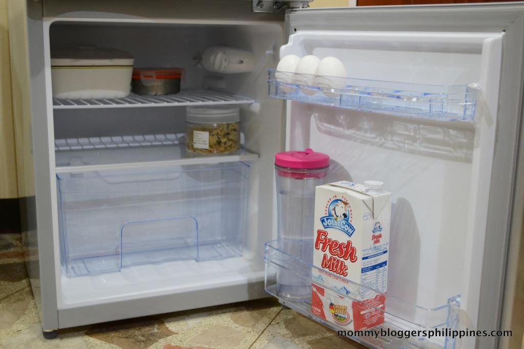 Hanabishi Mini Refrigerator