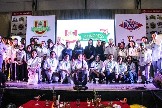 group photo of the Jolly University 4 winners