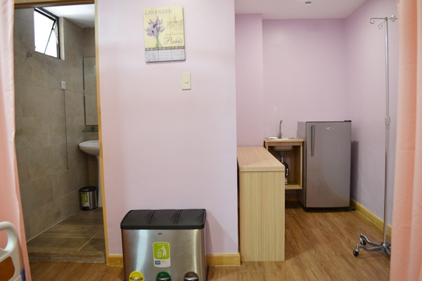Extra space for food preparation or to serve as work area for companions