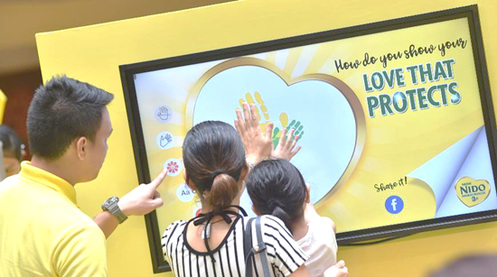 Hundreds of moms pledged to give their little ones a #LoveThatProtects with NIDO ADVANCED PROTECTUS 3+, now with the advanced probiotic strain L. Rhamnosus that helps protect children's tummies and helps build their upper respiratory tract defense against pathogens that bring about common coughs and colds.
